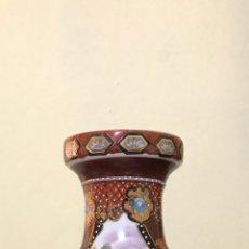 Antigüedades: JARRÓN ORIENTAL DE PORCELANA. CHINO. JAPONÉS. 31 CMS DE ALTURA. ¿SATSUMA? SELLADO Y NUMERADO. Lote 175602892