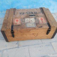 Antigüedades: ANTIGUO BAÚL MADERA ZENITH CON ETIQUETAS ORIGINALES,ULTIMA FECHA 1971.. Lote 175630624