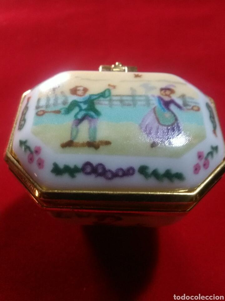 Antigüedades: Cajita de porcelana. Miniatura.Joyero. - Foto 2 - 175665699