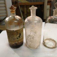 Antigüedades: 3 ANTIGUAS BOTELLAS GRANDES DE FARMACIA DE VIDRIO CRISTAL SOPLADO. Lote 175680217
