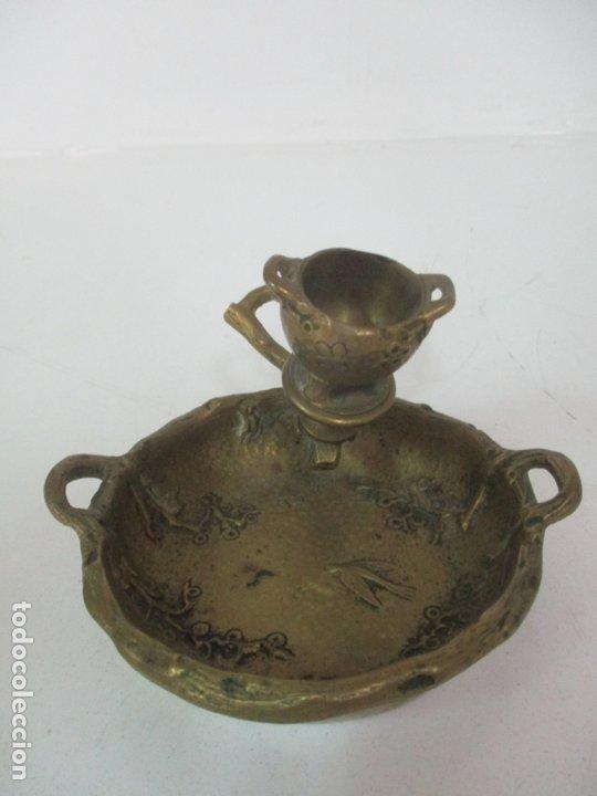 Antigüedades: Bandeja, Quemador. Incensario - Candelabro - Bronce Cincelado - Motivos Orientales - Foto 5 - 175683993