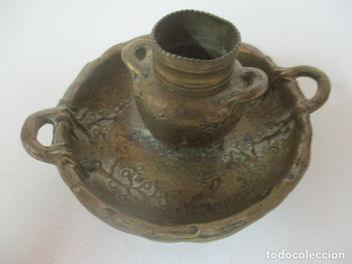 Antigüedades: Bandeja, Quemador. Incensario - Candelabro - Bronce Cincelado - Motivos Orientales - Foto 9 - 175683993