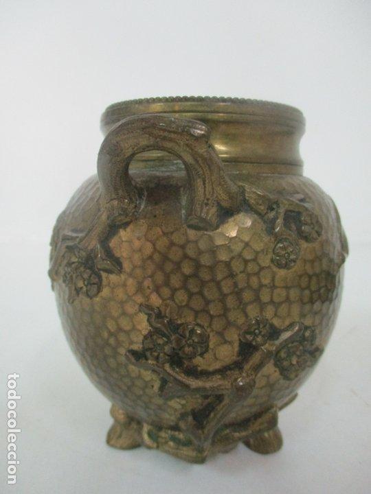 Antigüedades: Bandeja, Quemador. Incensario - Candelabro - Bronce Cincelado - Motivos Orientales - Foto 13 - 175683993