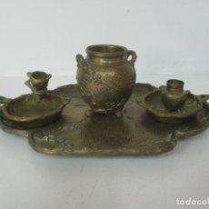Antigüedades: BANDEJA, QUEMADOR. INCENSARIO - CANDELABRO - BRONCE CINCELADO - MOTIVOS ORIENTALES. Lote 175683993