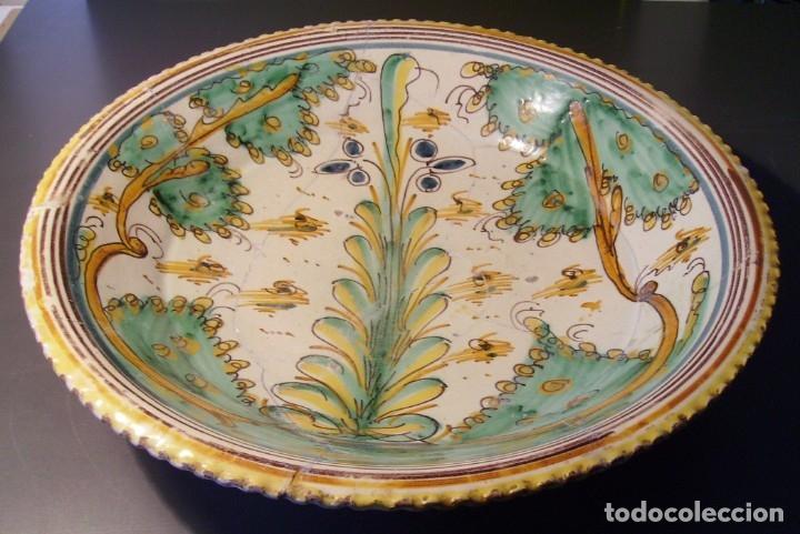 Antigüedades: ROTUNDO Y GRAN PLATO CERÁMICA DE PUENTE DEL ARZOBISPO XVIII – XIX - Foto 2 - 175713999