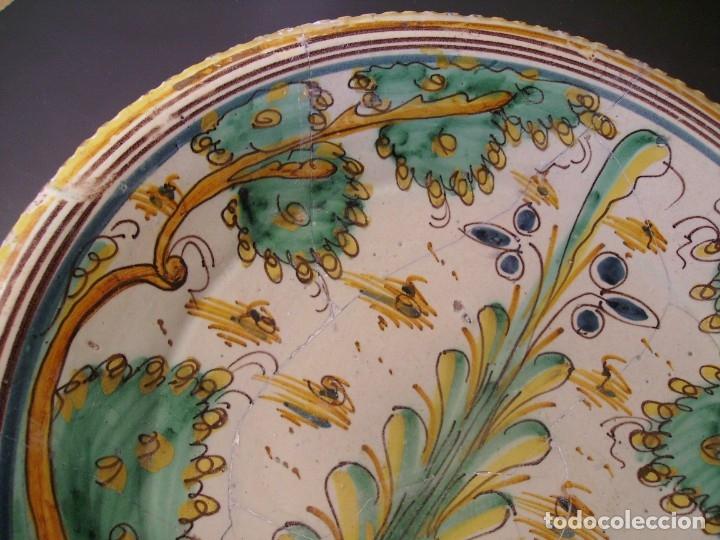 Antigüedades: ROTUNDO Y GRAN PLATO CERÁMICA DE PUENTE DEL ARZOBISPO XVIII – XIX - Foto 3 - 175713999