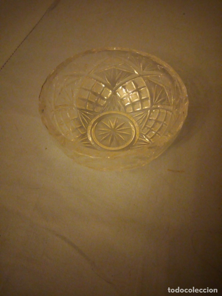 Antigüedades: Bonito bol de aperitivos de cristal de bohemia tallado. república checa - Foto 2 - 175737435