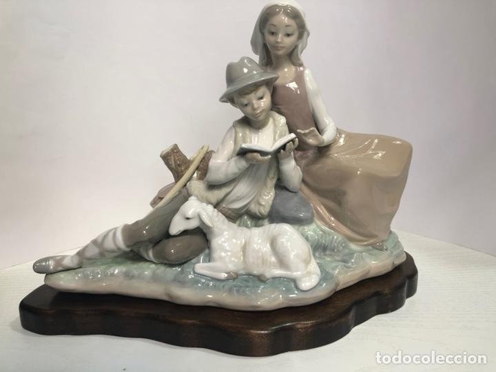 """REF: 01004929 """"ZAGALES LEYENDO"""" LLADRÓ (Antigüedades - Porcelanas y Cerámicas - Lladró)"""