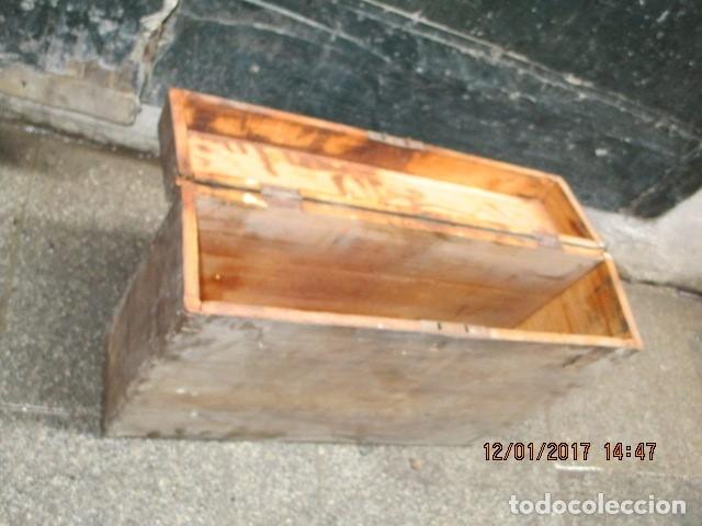 Antigüedades: ANTIGUA CAJA GRANDE DE MADERA PRINCIPIOS DE SIGLO CON CERRADURA - Foto 4 - 175748662