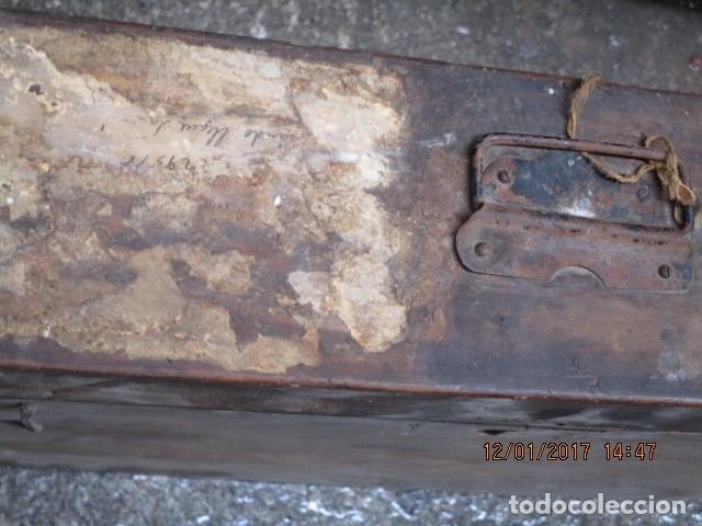 Antigüedades: ANTIGUA CAJA GRANDE DE MADERA PRINCIPIOS DE SIGLO CON CERRADURA - Foto 9 - 175748662