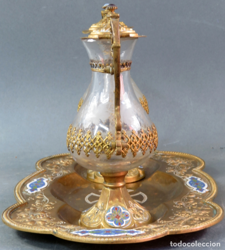 Antigüedades: Vinajeras litúrgicas neogóticas en metal dorado y cristal grabado al ácido hacia 1900 - Foto 4 - 175780722