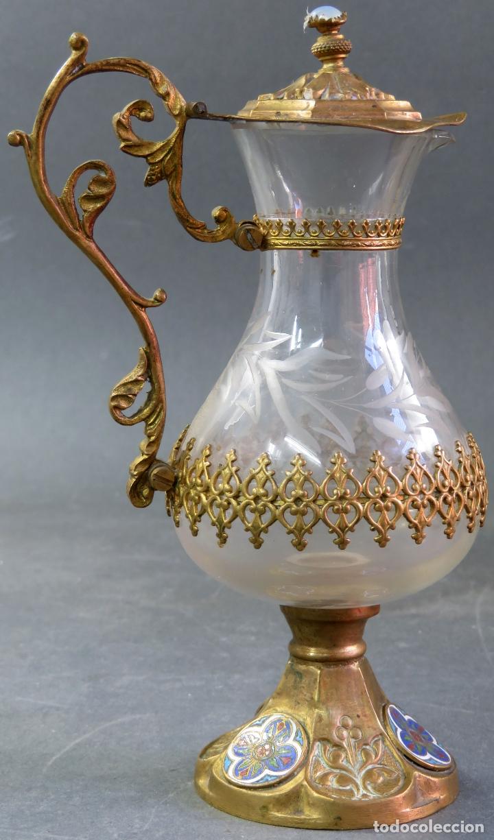 Antigüedades: Vinajeras litúrgicas neogóticas en metal dorado y cristal grabado al ácido hacia 1900 - Foto 13 - 175780722