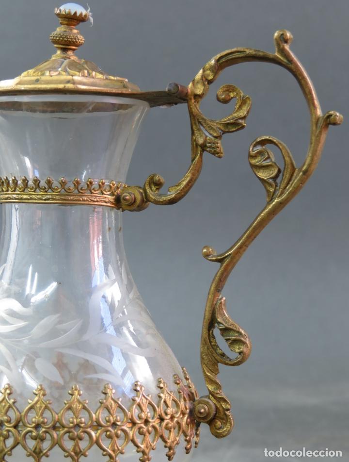 Antigüedades: Vinajeras litúrgicas neogóticas en metal dorado y cristal grabado al ácido hacia 1900 - Foto 14 - 175780722