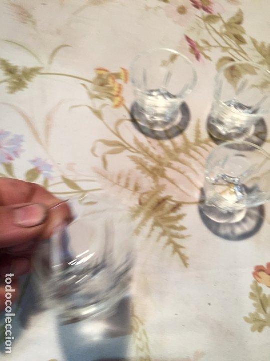 Antigüedades: Antiguas 4 vaso / vasos de licor o chupito de cristal prensado años 50-60 - Foto 4 - 175793225