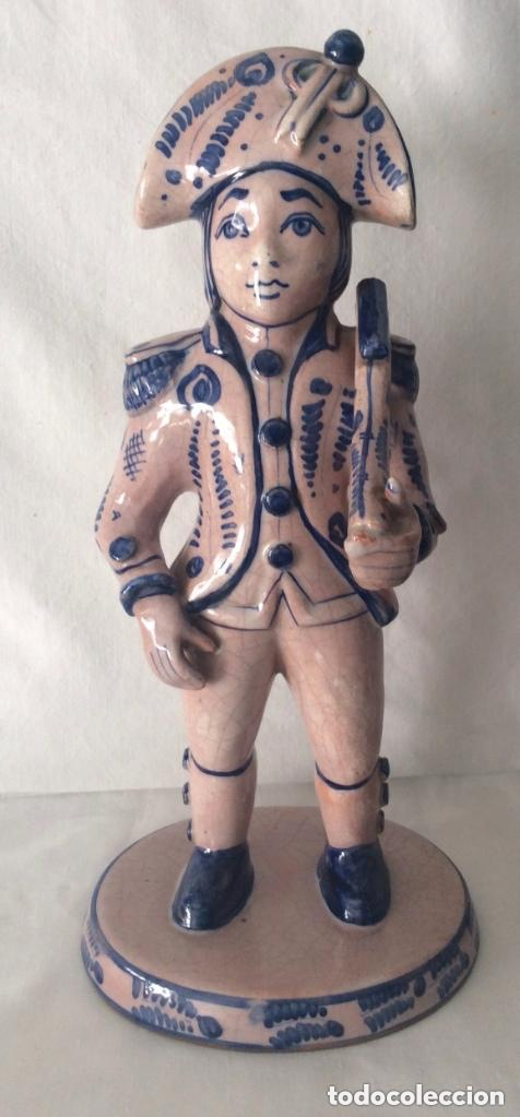 Antigüedades: Figuras de cerámica posiblemente DELF,representando Oficiales ,Militares, - Foto 2 - 175798708