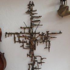 Antigüedades: CRUZ CON CRISTO SURREALISTA TIPO DALI. Lote 175804734