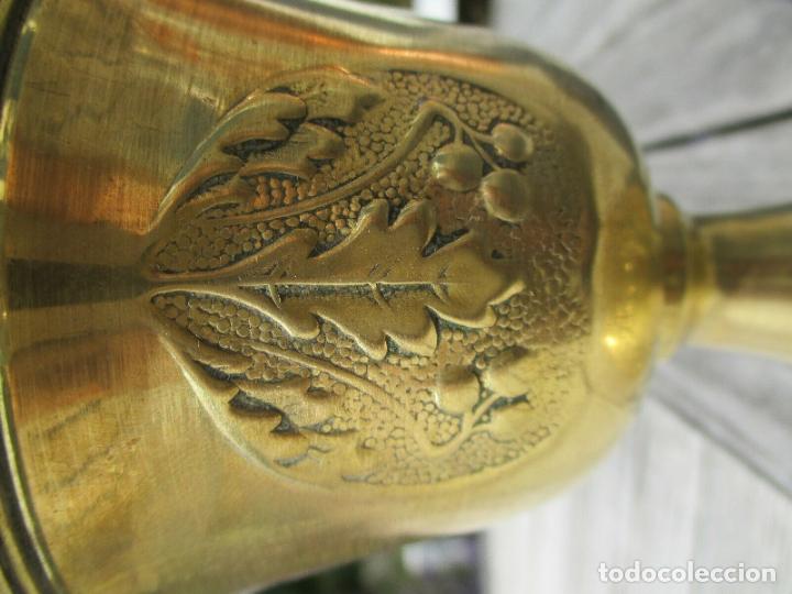Antigüedades: ANTIGUA LAMPARA QUINQUE PARISIEN EN LATON MODERNISTA AÑO 1900 PERFECTO CINCELADO - Foto 5 - 175812512