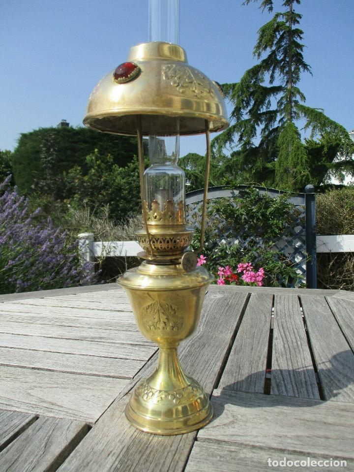ANTIGUA LAMPARA QUINQUE PARISIEN EN LATON MODERNISTA AÑO 1900 PERFECTO CINCELADO (Antigüedades - Iluminación - Quinqués Antiguos)