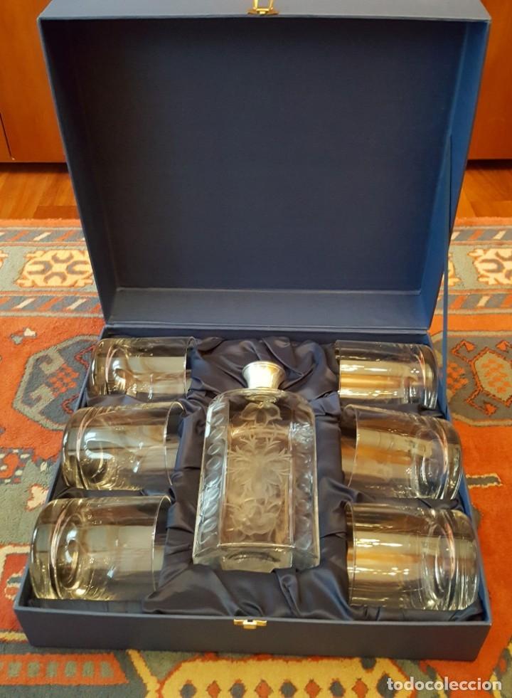 Antigüedades: Estuche con 6 vasos y una frasca de la Real Fábrica de Cristales de La Granja - Foto 2 - 175814169