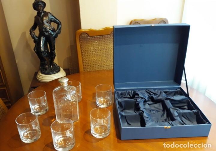 Antigüedades: Estuche con 6 vasos y una frasca de la Real Fábrica de Cristales de La Granja - Foto 4 - 175814169