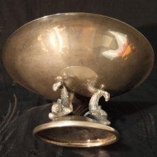 Antigüedades: ELEGANTE BANDEJA ENTREMESERA,CENTRO DE MESA BAÑO PLATA COMO ACREDITA EL CUÑO.MIDE 16'7 CM D DIÁMETRO. Lote 175818280