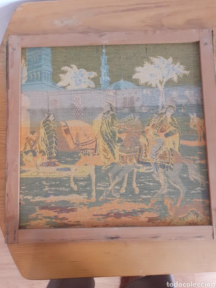 Antigüedades: Dos magníficos antiguos tapices. Motivos moriscos. 51 X 51 cms - Foto 5 - 175824997