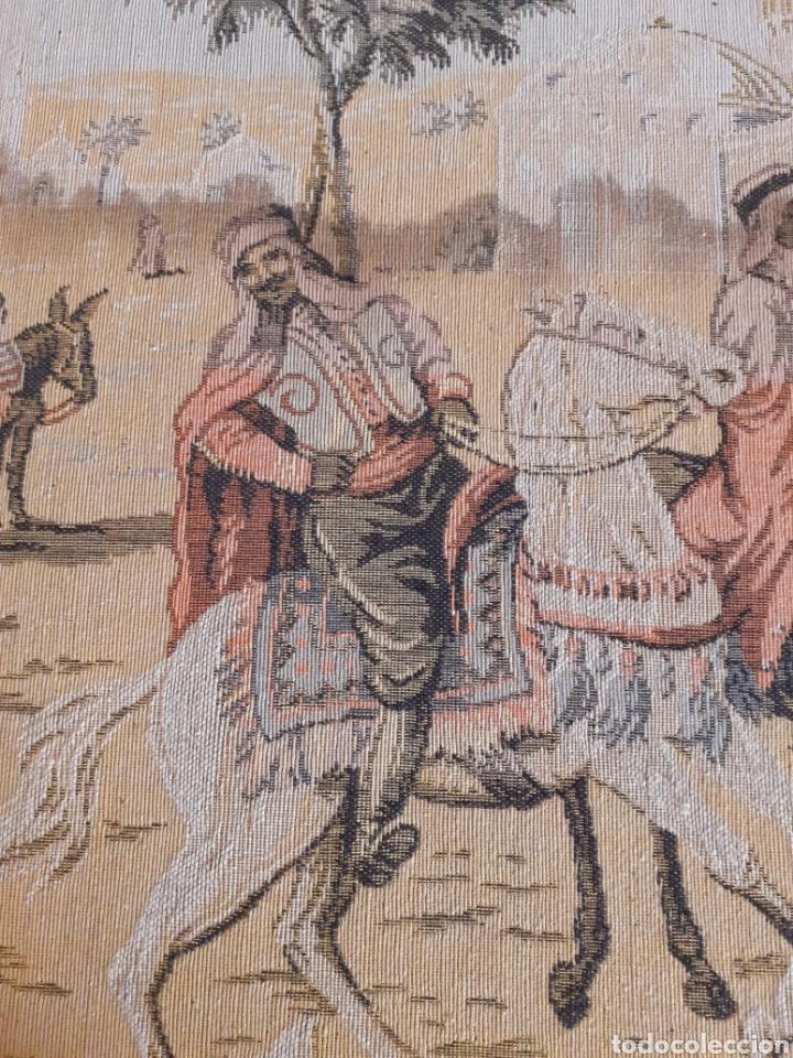 Antigüedades: Dos magníficos antiguos tapices. Motivos moriscos. 51 X 51 cms - Foto 6 - 175824997