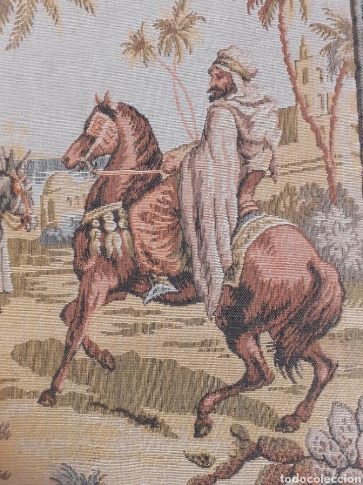Antigüedades: Dos magníficos antiguos tapices. Motivos moriscos. 51 X 51 cms - Foto 10 - 175824997