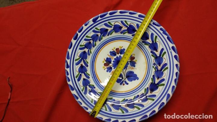 PLATO DE CERÀMICA TRIANA PINTADO A MANO (Antigüedades - Porcelanas y Cerámicas - Fajalauza)