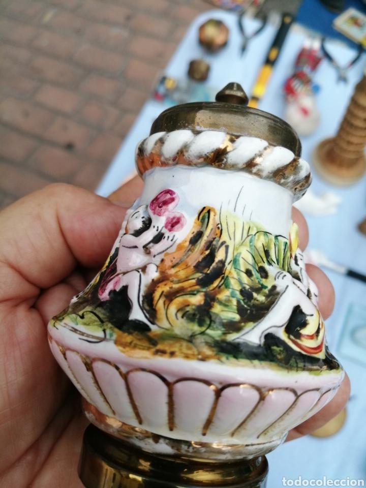 Antigüedades: Salero pimentero molinillo porcelana de Capodimonte. - Foto 4 - 175842327