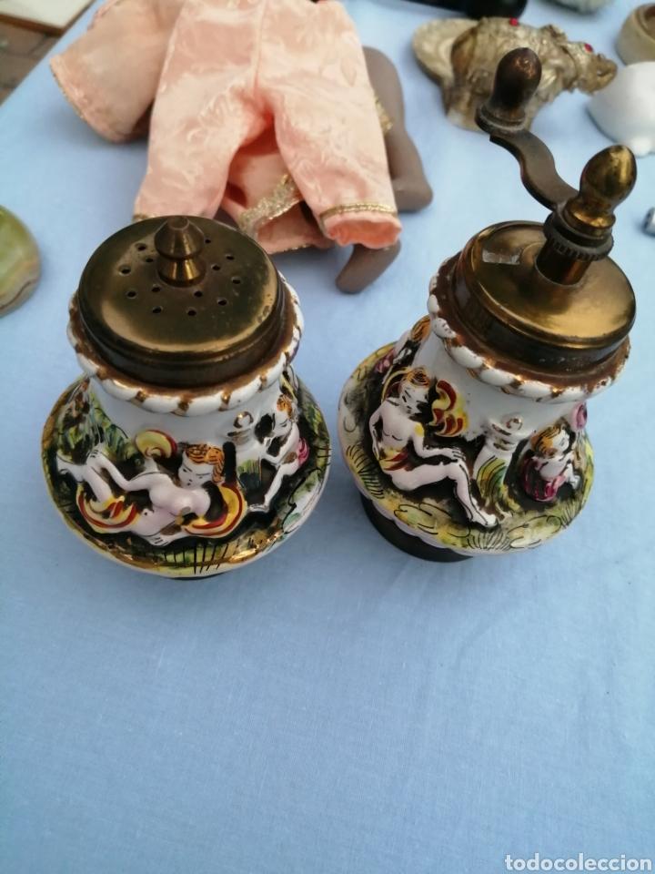 Antigüedades: Salero pimentero molinillo porcelana de Capodimonte. - Foto 6 - 175842327