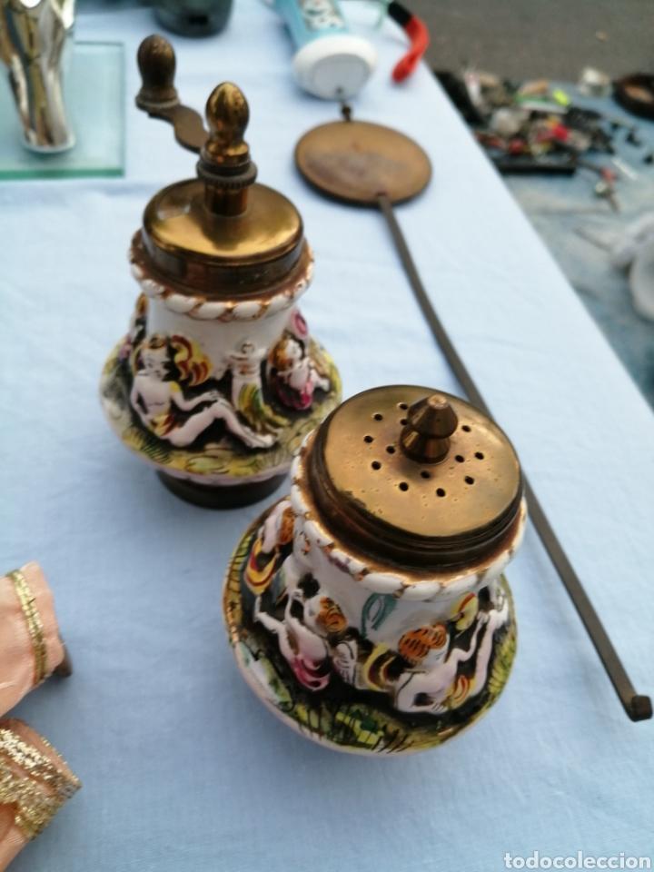 SALERO PIMENTERO MOLINILLO PORCELANA DE CAPODIMONTE. (Antigüedades - Porcelanas y Cerámicas - Otras)