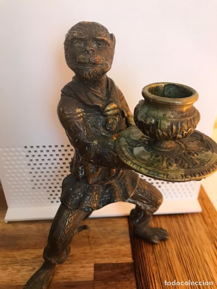 Porta vela foormofo en latón en forma de mono