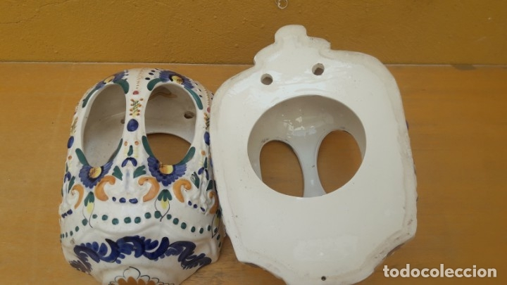 Antigüedades: PAREJA DE APLIQUES DE CERÁMICA DE SEVILLA, PINTADOS A MANO. - Foto 5 - 175877627