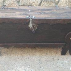 Antigüedades: ARCA ANTIGUA MACIZA.. Lote 175923848