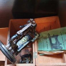 Antigüedades: MAQUINA DE COSER SINGER CLASS 33K MACHINE. Lote 175927598