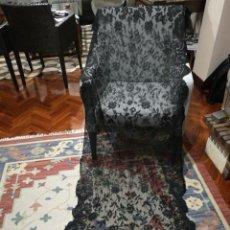 Antigüedades: ANTIGUA MANTILLA ESPAÑOLA DE ENCAJE DE BLONDA.. Lote 175933794