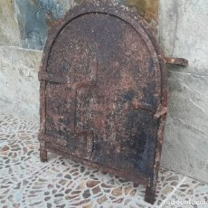 Antigüedades: PUERTA DE HORNO EN FORJA S. XIX. Lote 175995987