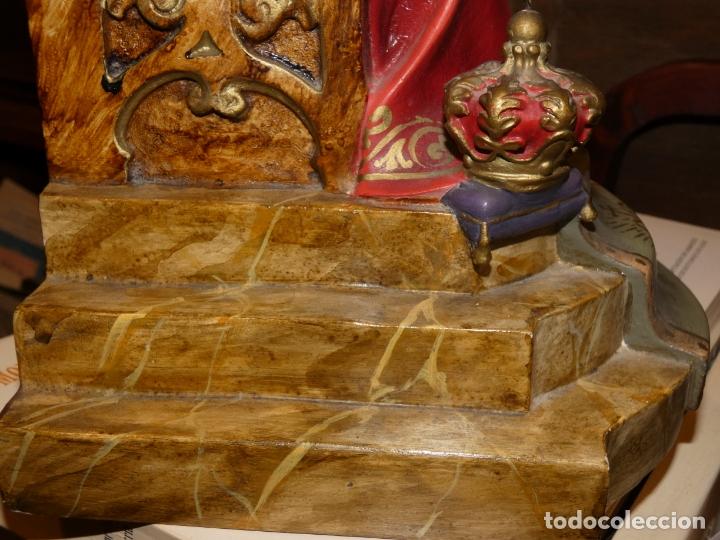 Antigüedades: Gran imagen Sagrado corazón de Jesús en trono, tipo Olot. no lleva sello. mide 56 alto, base 20 x 20 - Foto 9 - 176080677