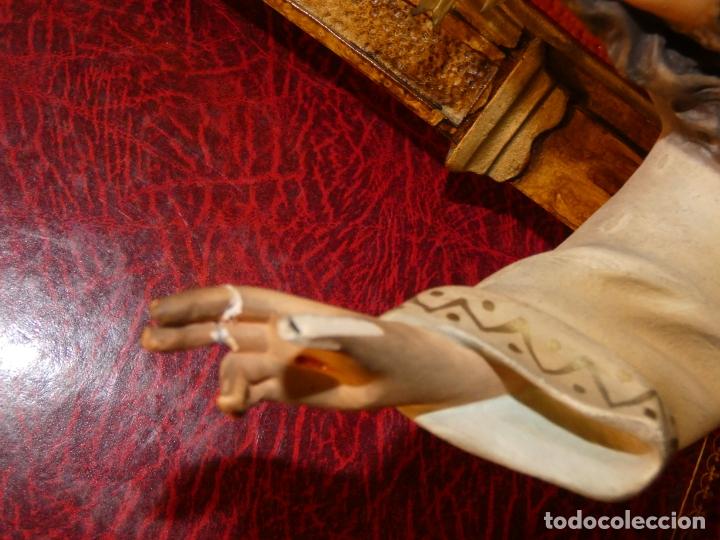 Antigüedades: Gran imagen Sagrado corazón de Jesús en trono, tipo Olot. no lleva sello. mide 56 alto, base 20 x 20 - Foto 10 - 176080677
