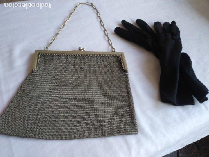 BOLSO MALLA PLATA NO. Y. GUANTES (Antigüedades - Moda - Bolsos Antiguos)