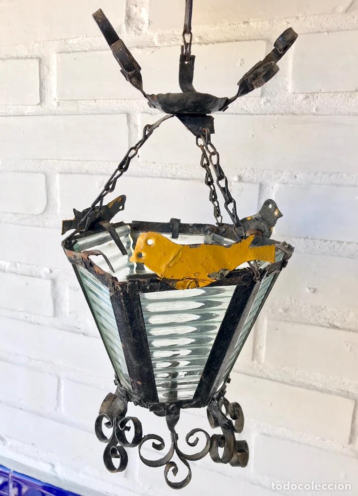 ANTIGUO Y ORIGINAL FAROL DE HIERRO FORJADO. LÁMPARA. (Antigüedades - Iluminación - Faroles Antiguos)