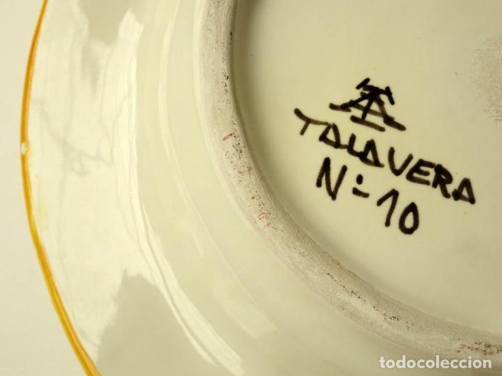 Antigüedades: CENICERO DE CERÁMICA DE TALAVERA FIRMADO DISEÑO CON MOTIVO DE SOL PINTADO A MANO - Foto 9 - 176097487