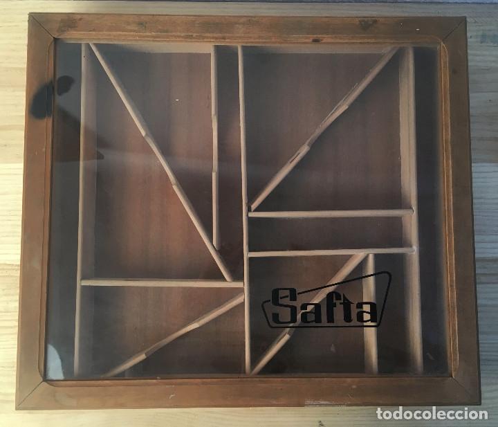 Antigüedades: Vitrina expositor de mostrador en madera de reglas marca SAFTA. 56 x 50 x 7 cm. única en TC - Foto 2 - 199721566