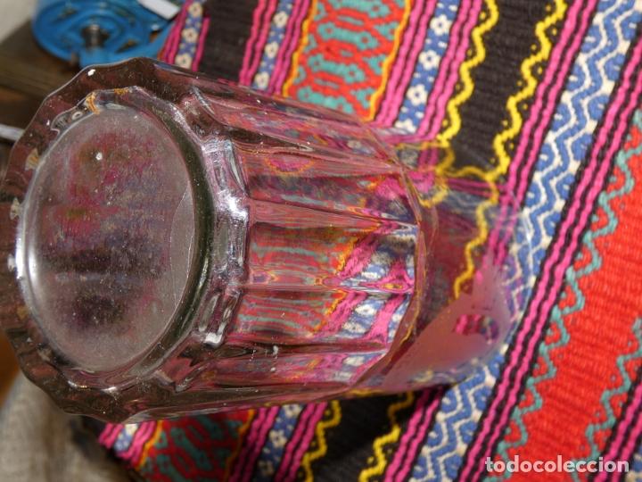 Antigüedades: Murcia. Antiguo vaso de cristal Balneario de Archena,Virgen de la salud, mide 17 x 11 x 8 cms - Foto 3 - 176124850