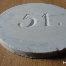 Antigüedades: ANTIGUA LOZA O PLACA DE FACHADAS.Nº 51. MARMOL TALLADO SIGLO XIX. Lote 176134919