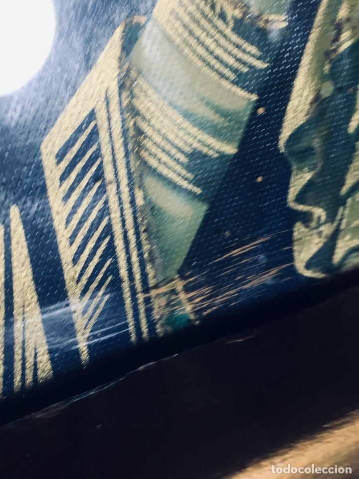 Antigüedades: HORNACINA MURAL ESCAYOLA DORADA IMAGEN VIRGEN PERPETUO SOCORRO FAROLILLOS HOJALATA - Foto 4 - 176197125