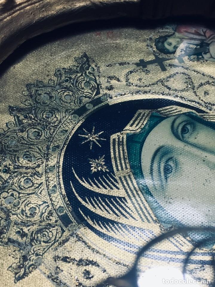 Antigüedades: HORNACINA MURAL ESCAYOLA DORADA IMAGEN VIRGEN PERPETUO SOCORRO FAROLILLOS HOJALATA - Foto 6 - 176197125