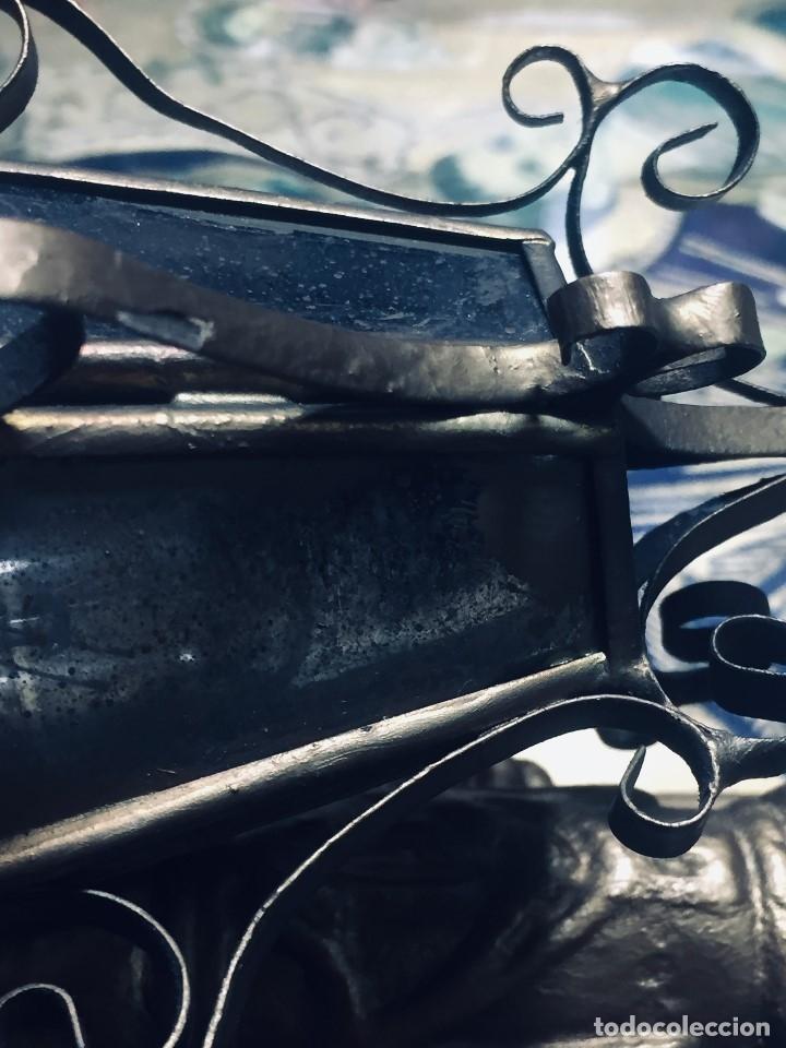 Antigüedades: HORNACINA MURAL ESCAYOLA DORADA IMAGEN VIRGEN PERPETUO SOCORRO FAROLILLOS HOJALATA - Foto 8 - 176197125