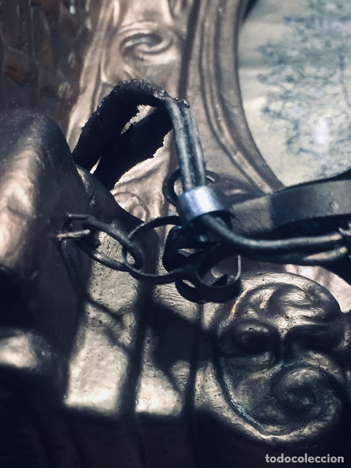Antigüedades: HORNACINA MURAL ESCAYOLA DORADA IMAGEN VIRGEN PERPETUO SOCORRO FAROLILLOS HOJALATA - Foto 10 - 176197125